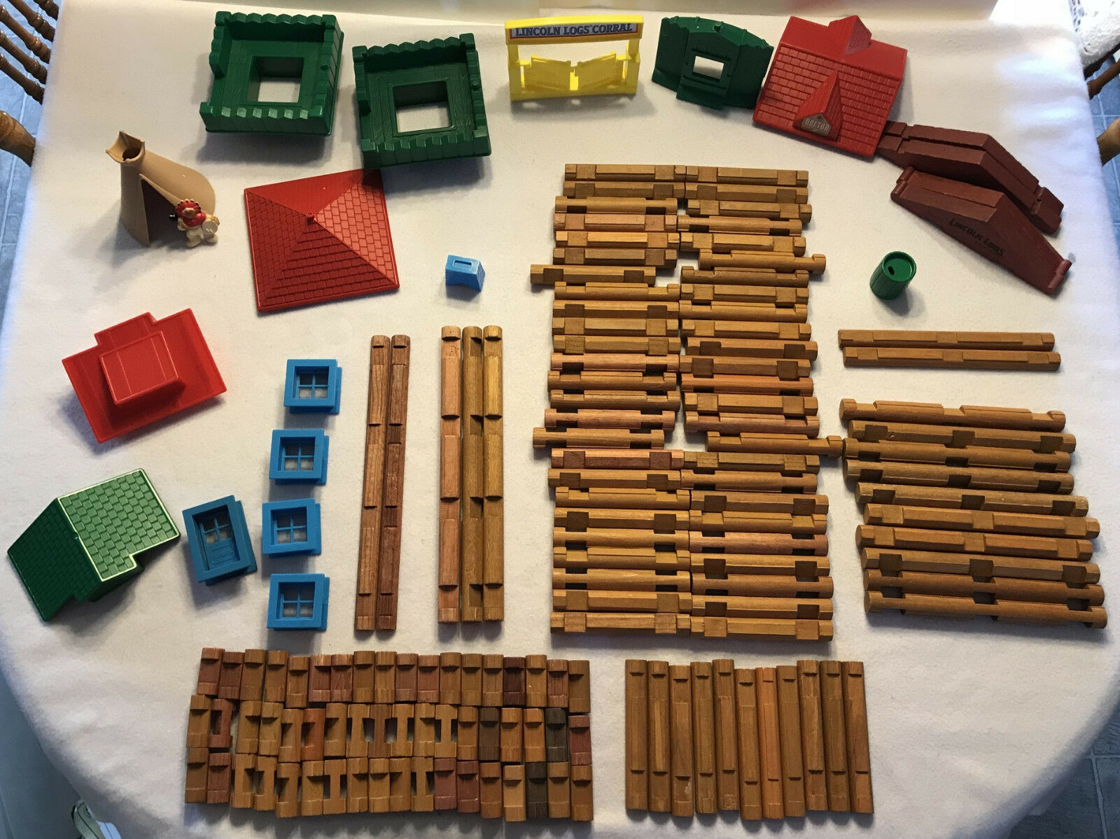 157 piece Wooden Lincoln Lincoln Lincoln Log building set roof window truss Teepee Lot 40 d10818