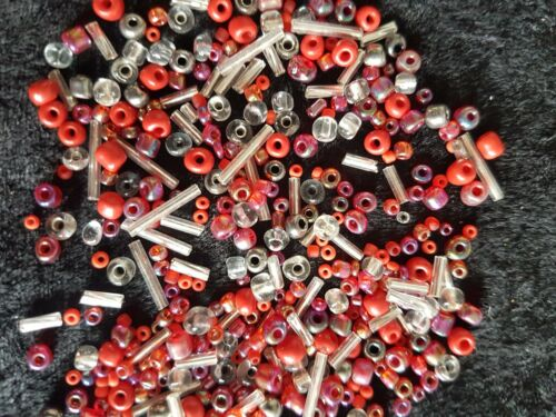 30g Pack Mixed Sizes Glass Seed Beads /& Bugle Beads Red Pewter /& Silver Mix