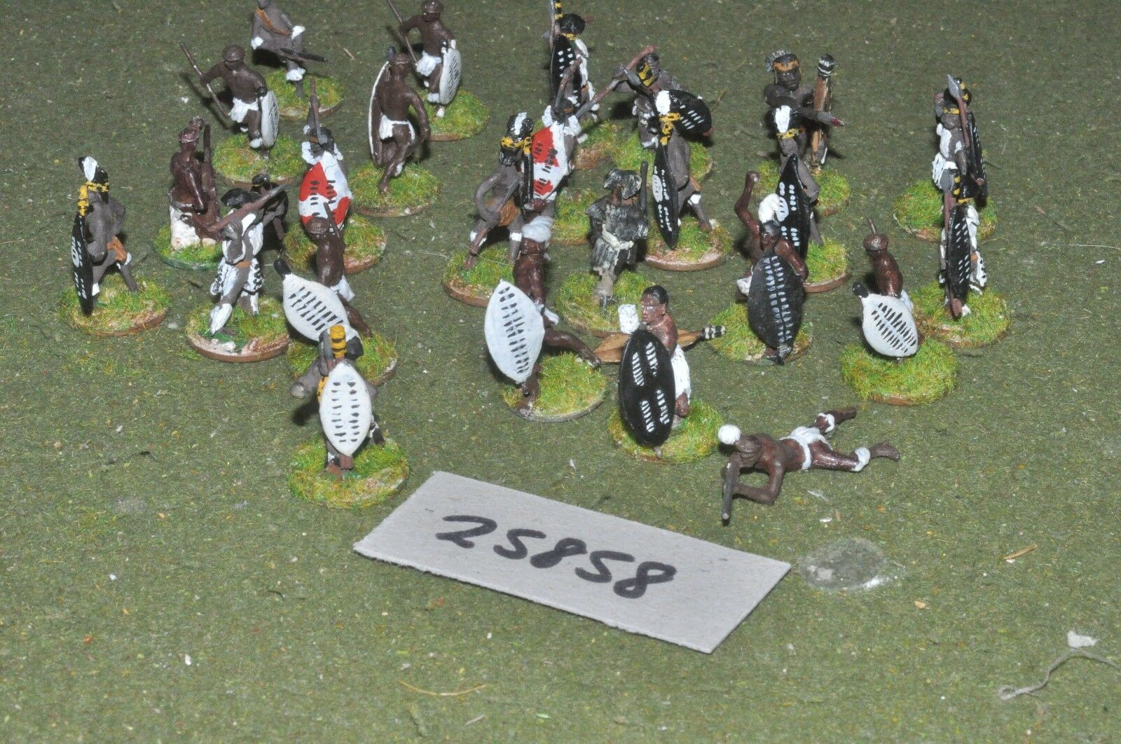 25mm colonial   zulu - warriors 25 figures - inf (25858)