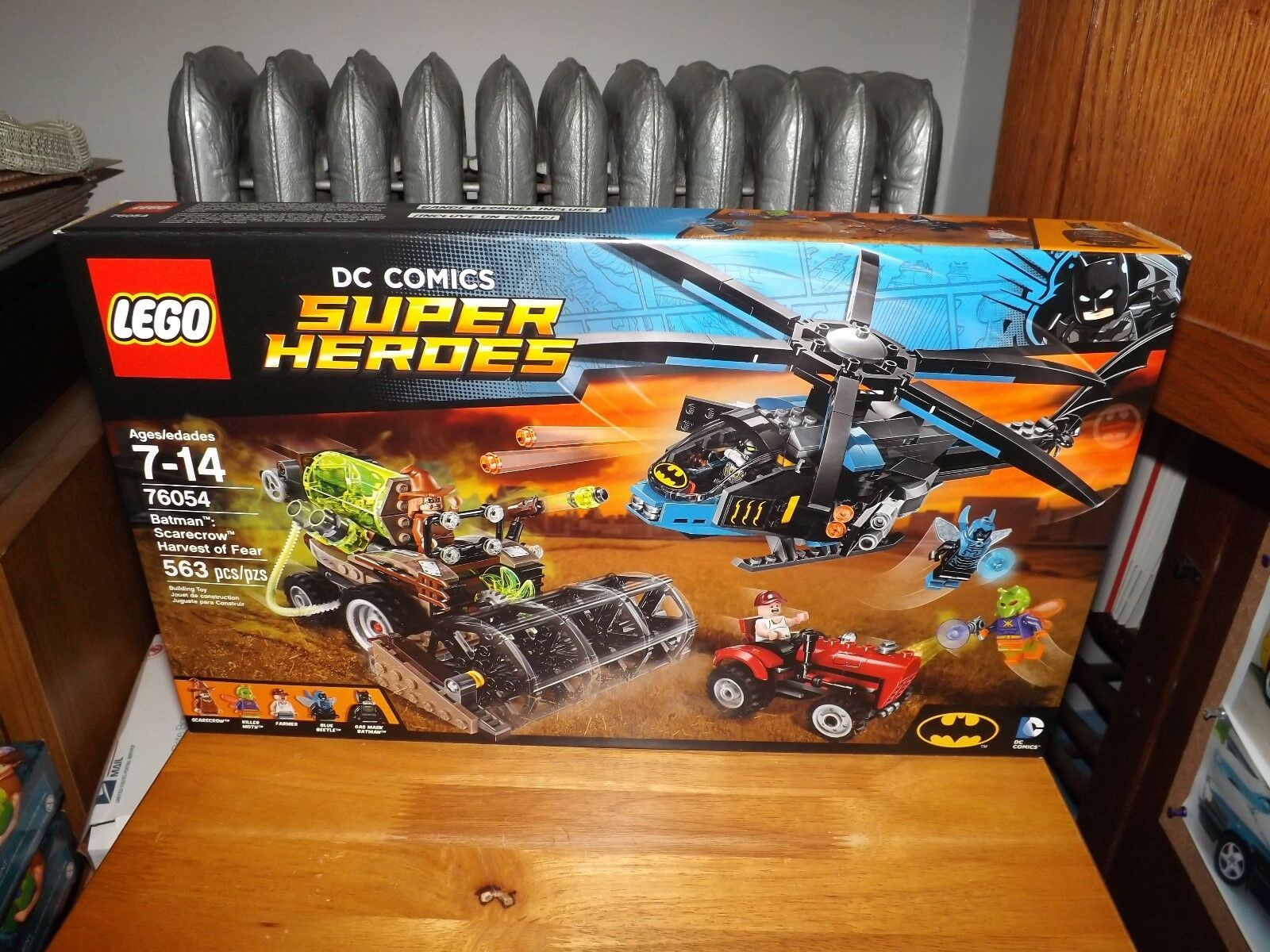 LEGO, DC COMICS SUPER HEROES, BATMAN: SCARECROW HARVEST OF FEAR,  76054 NIB 2016