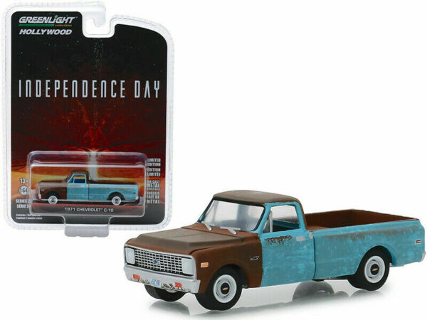 """Greenlight /""""Independence Day/"""" 1971 Chevrolet C-10 Pickup 1//64 Chase Car 44840D"""