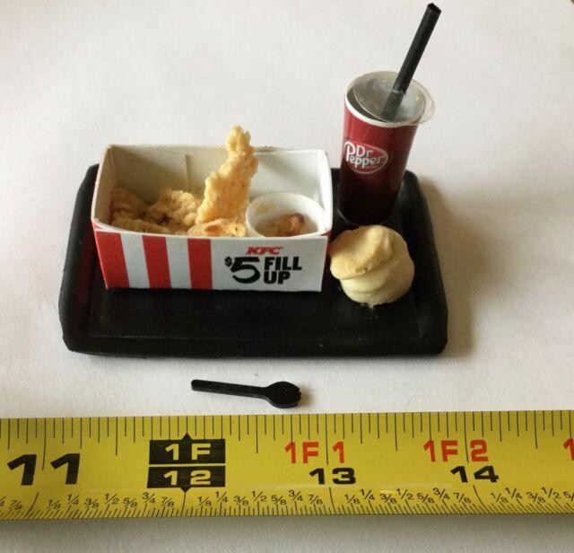 MINIATURE KFC $5 FILL UP MEAL FROM 2017 TINY POPUP KFC ...