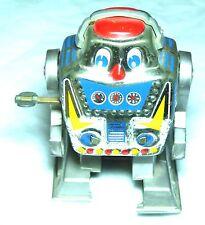 CHARMING VINTAGE CLOCKWORK YONE TOYS  SILVER WALKING ROBOT CIRCA 1970SJAPAN