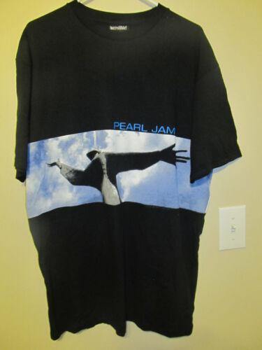 Vintage 1998 Pearl Jam YEILD tour shirt - Adult large