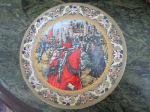 WEDGWOOD-COLLECTOR-PLATE-034-THE-KNIGHTS-OF-THE-ROUND-TABLE-034-SIGNED-RICHARD-HOOK