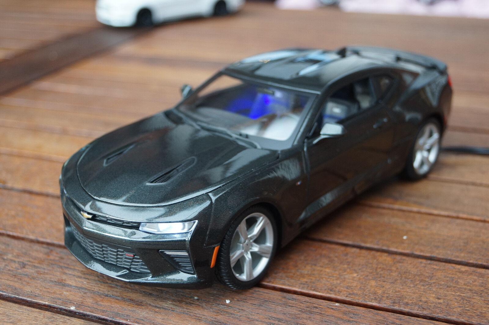 encuentra tu favorito aquí 2016 Chevrolet Camaro SS RS con iluminación LED (Xenon) (Xenon) (Xenon) 1 18 maisto gris  el precio más bajo