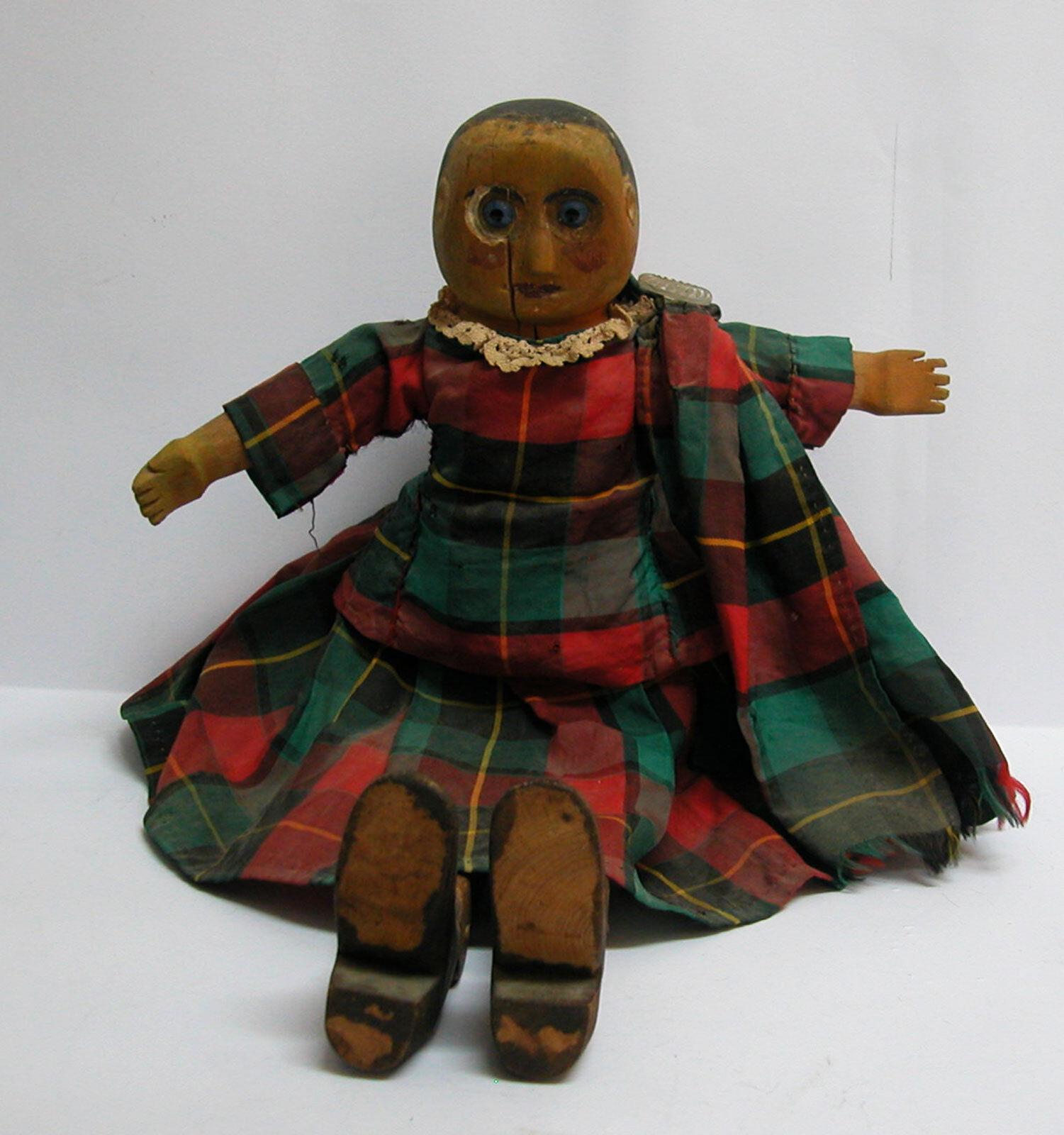 Muñeco De Madera Antiguo 19th Century vestida con ropas escocesas 15.4  De Alto