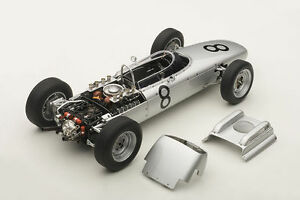 1-18-Autoart-Porsche-804-F1-1962-Jo-Bonnier-Nurburgring-8