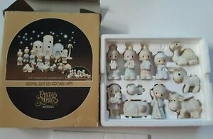 Precious Moments Nativity 11 piece set Come Let Us Adore Him