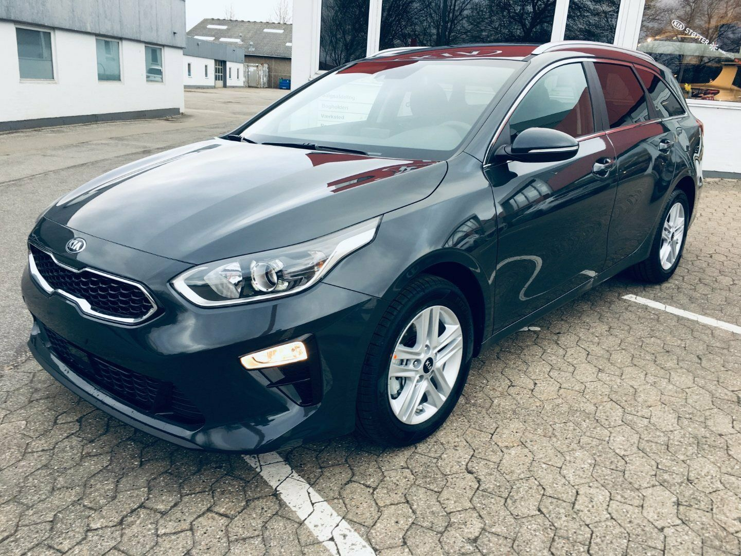 Kia Ceed 1,4 T-GDi Intro Edition SW DCT 5d