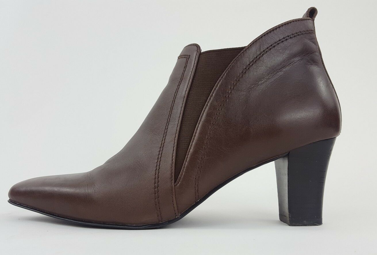 David Tate Brown Pull On Leather Ankle Booties Heeled Boots Size 8WW Elastic