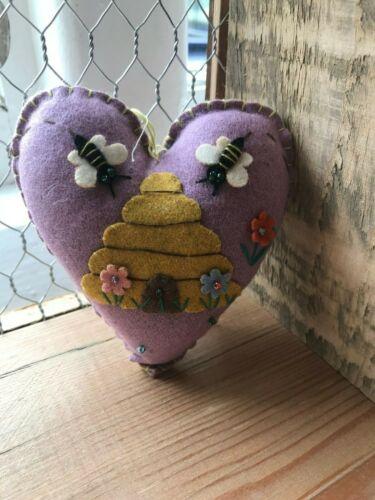 Gisela Graham Felt Stitched Heart Bee Spring Easter Hanging Tree Home Decoration