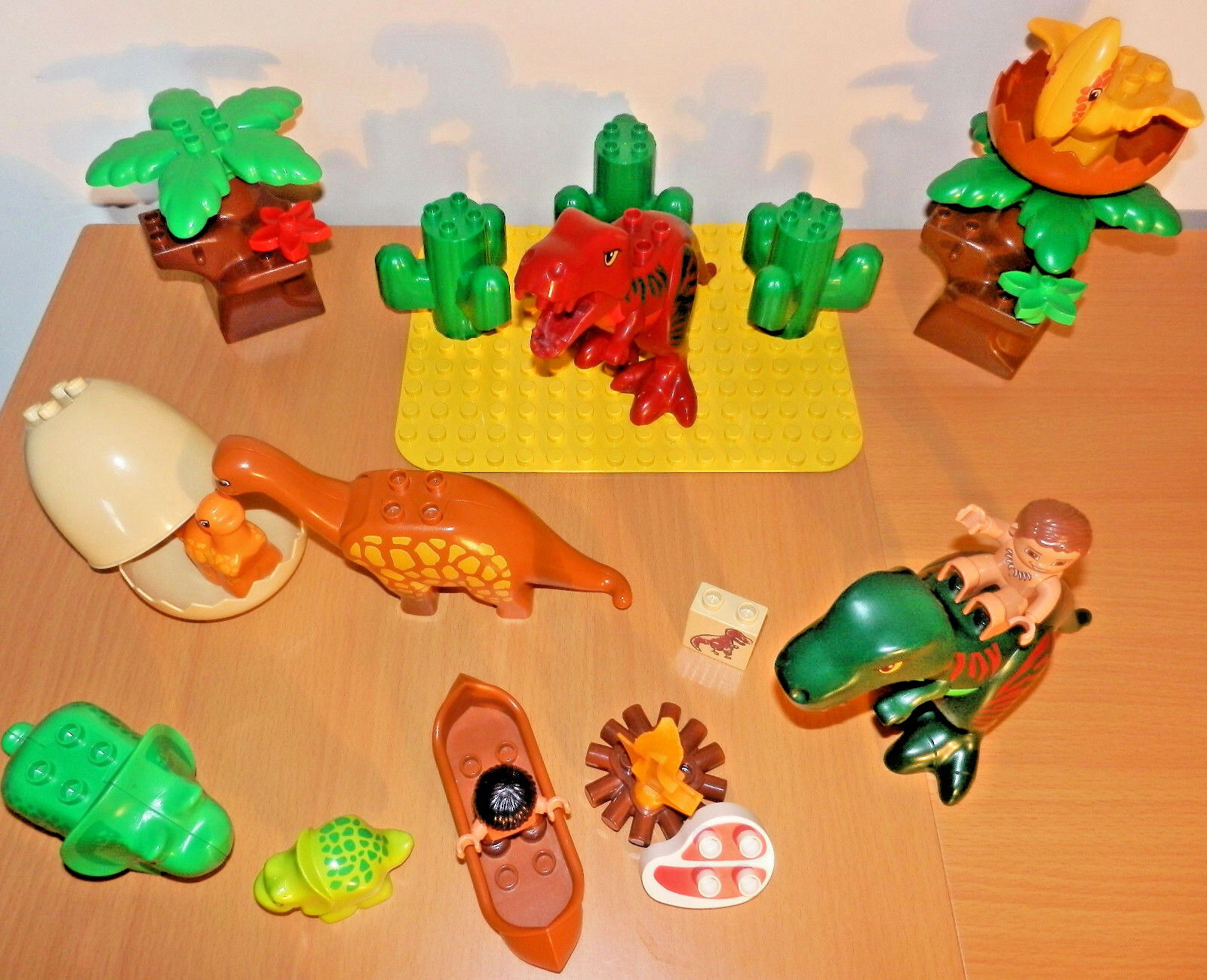 LEGO DUPLO Dino Valley Bundle - Dinosaurs World Trap Cavemen T-Rex Jurassic Park