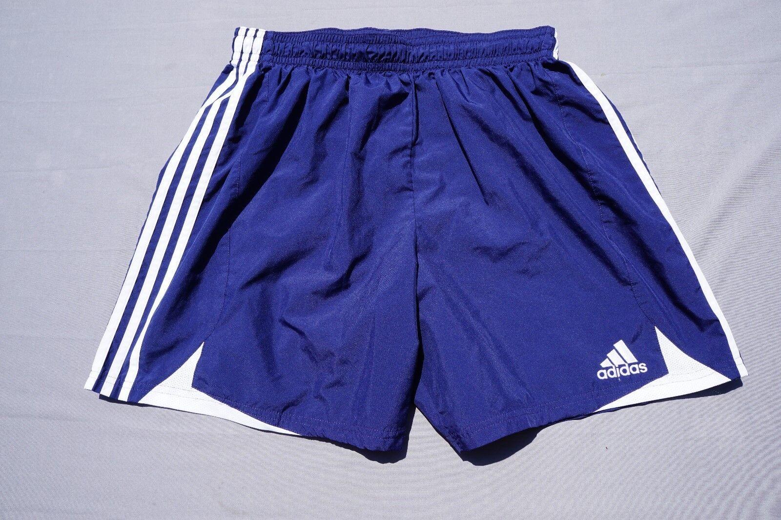 Short de sport Adidas ClimaCool à taille élastique.Bleu marine et blanc, XL pour hommes.