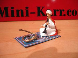 CBG MIGNOT  cirque LE  CHARMEUR DE SERPENT  figurine circus figure  toy soldier