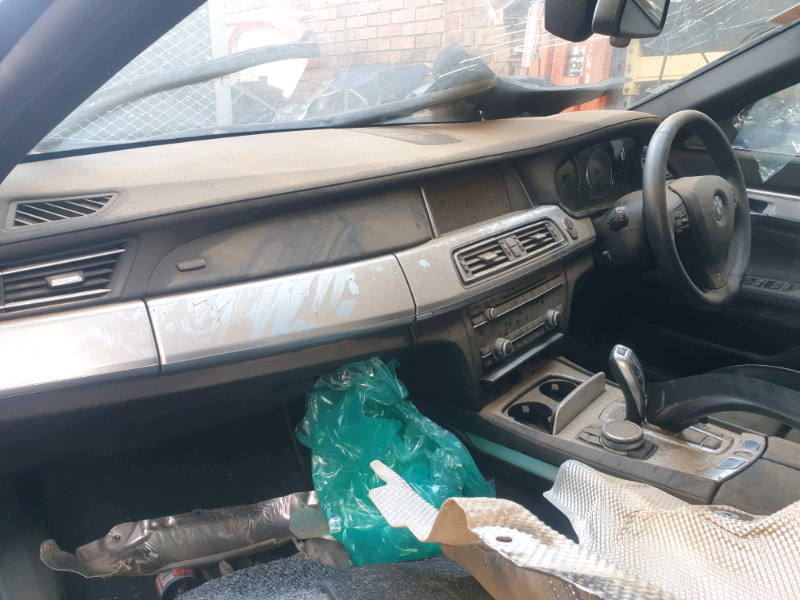BMW F01 750I 2014 DASHBOARD AND AIRBAGS