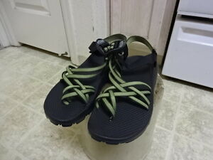 GREAT-CONDITION-FEW-TIMES-USED-VINTAGE-CHACO-SPORT-SANDALS-WOMEN-10-VERY-CLEAN