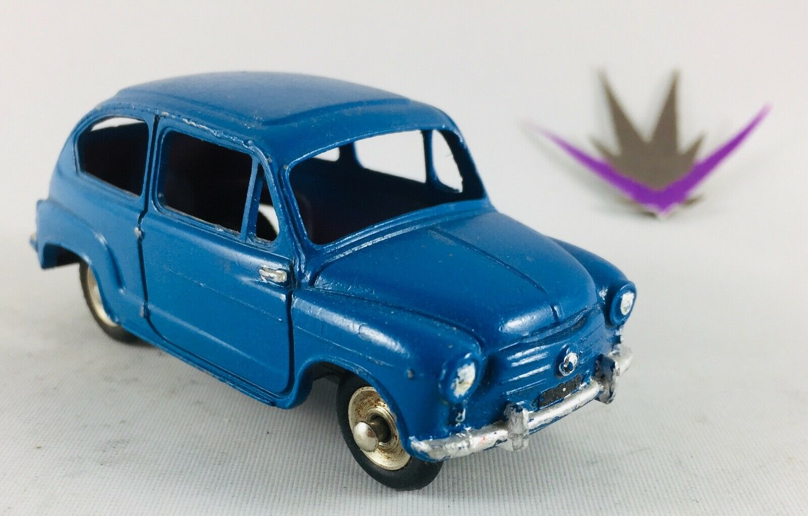 Dinky Toys 520 Fiat 600 1 43 without Box