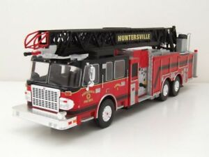 Ixo - Smeal 105 Aerial Ladder U.s.a.   Camion de pompiers Huntersville, échelle 1:43 4895102324439