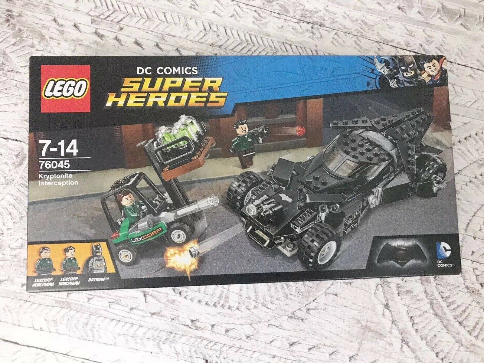 Lego DC Super Heroes Kryptonite Interception with Batman & Batmobile 76045 – NEW