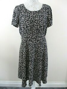 Jasper-Conran-dress-size-14-black-amp-blush-abstract-NWOT-belt-flared-Debenhams