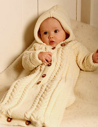 BABY/'S DK CABLE HOODED SLEEPING BAG SIZES  1-3 MTHS 2//3 YR KNITTING PATTERN