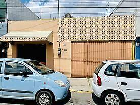 EN VENTA CASA CON LOCAL AL FRENTE PARA NEGOCIO  EXCELENTE UBICACION EN PRADOS AGUA AZUL EN PUEBLA
