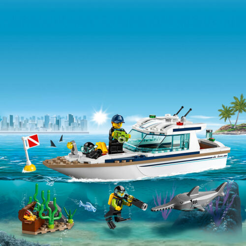 60221 LEGO CITY Diving Yacht 148 Pieces Age 5 New Release for 2019!