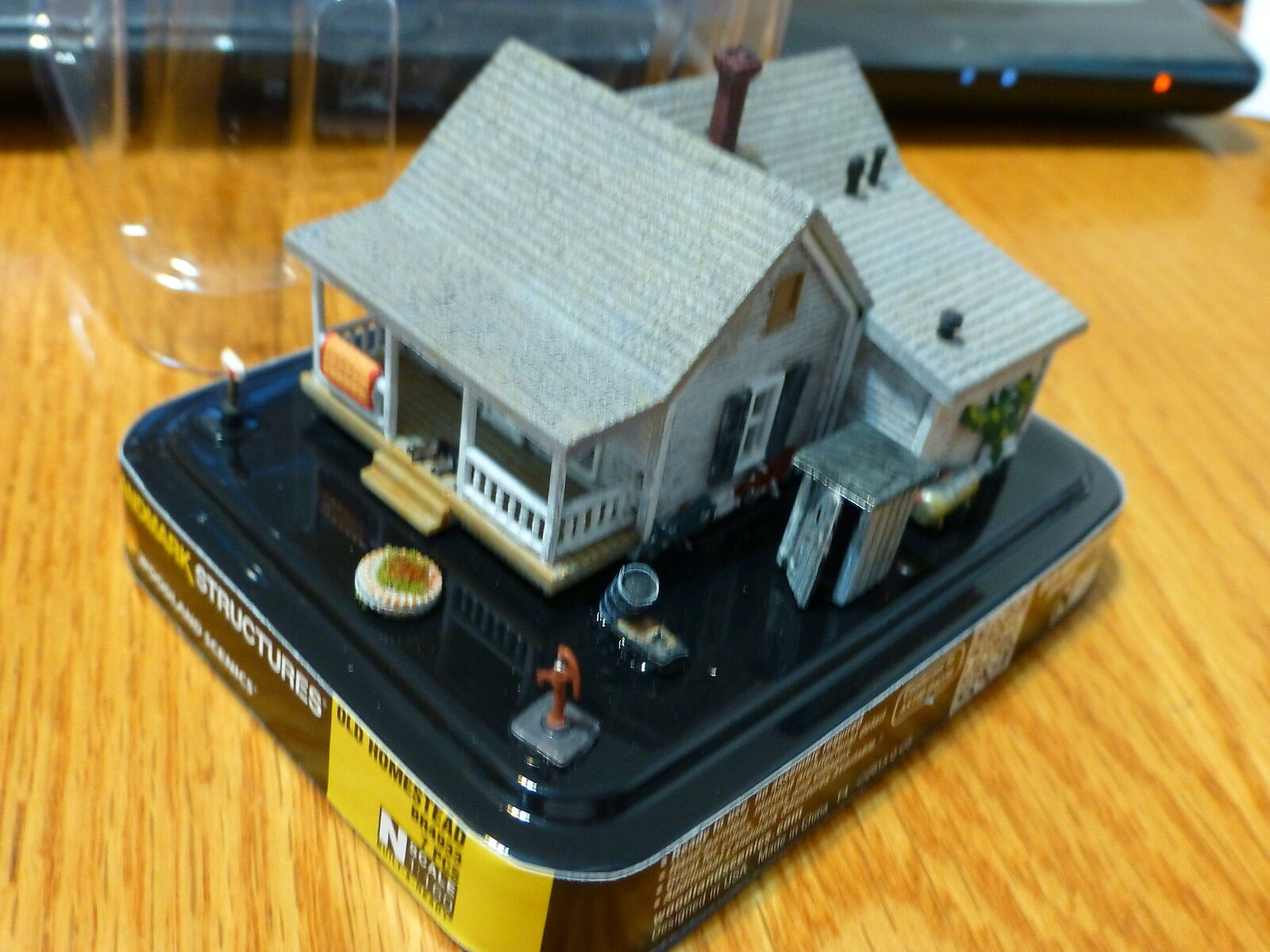 Woodland Scenics N Scale  4933 Old Homestead Built-&-Ready to place on Layout