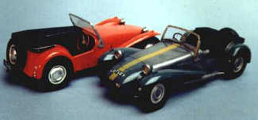 Lotus Super 7 sports car kit - white metal model to assemble and paint