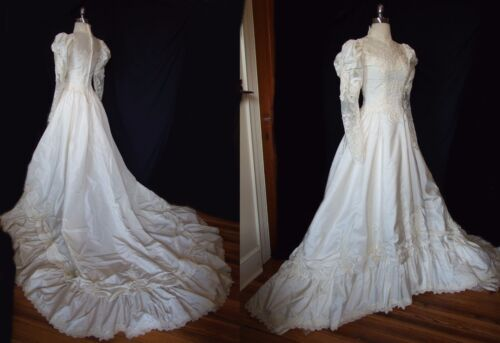 Vintage 1980s Victorian Cathedral Train Wedding Dress Bridal Gown Taffeta Lace