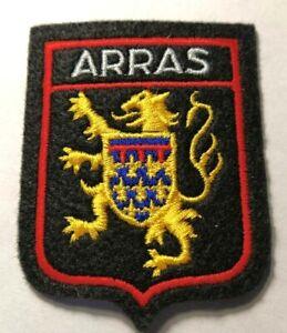 Ecusson brodé de la ville d'Arras (Pas-de-Calais)