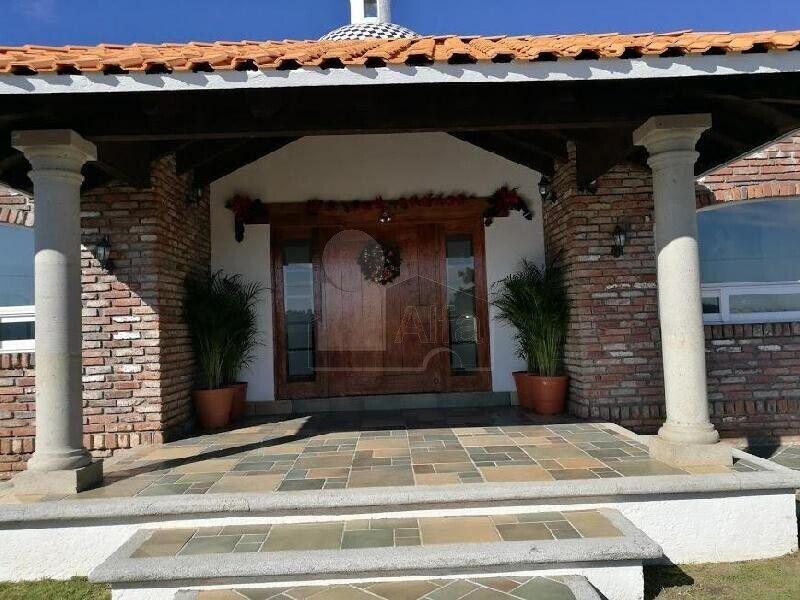 Venta de Casa de campo de 3500 m2 terreno y 550 m2 construidos en Cienega Acaxochitlan, Hidalgo