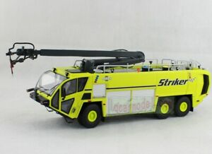 1/50 OSHKOSH AIRPORT PRODUCTS Fire Engine Striker 6X6 Truck Diecast