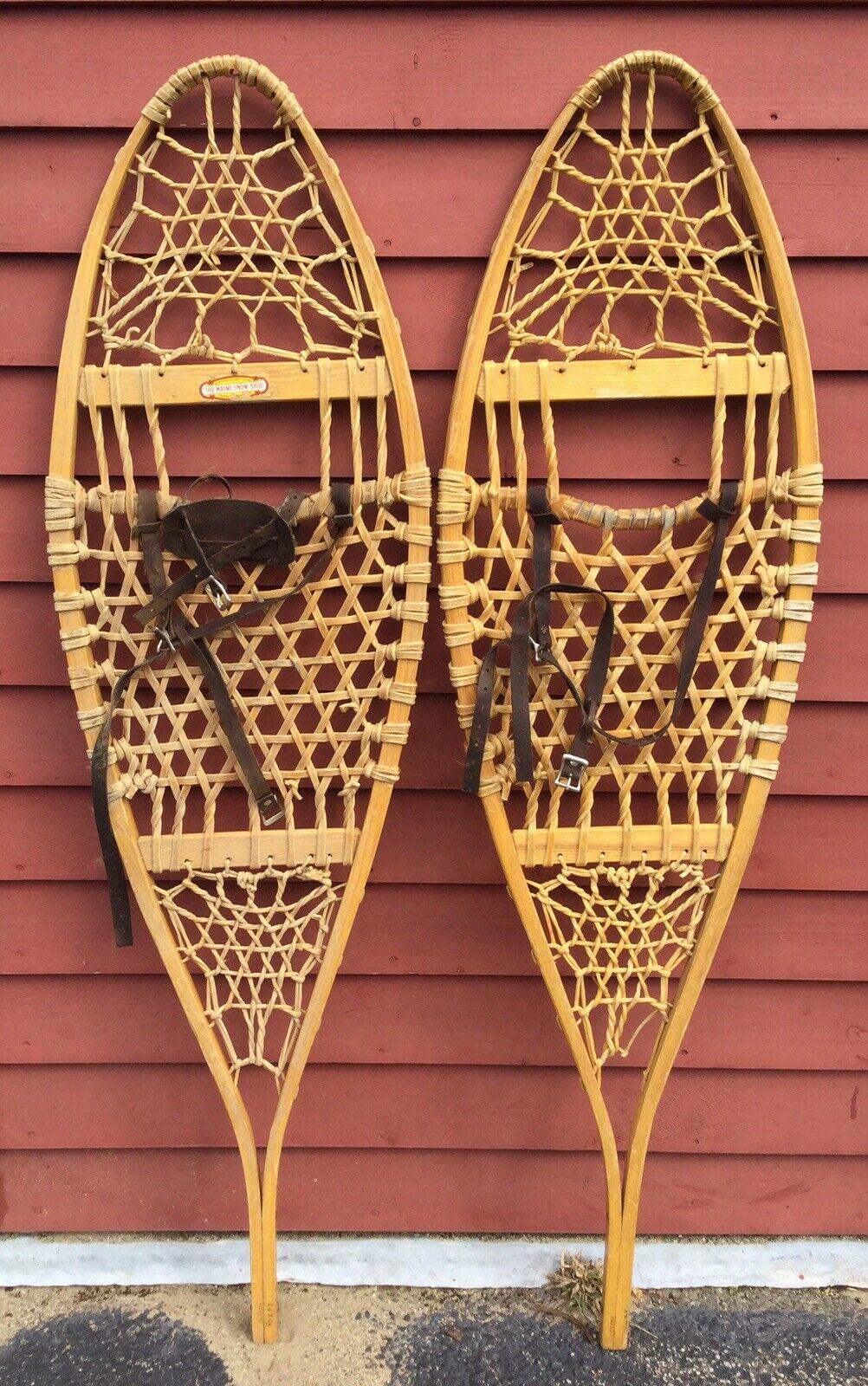 Pair Of Vintage Wooden LL BEAN Snowschuhe FREEPORT MAINE Home Decor Display 14x48