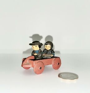 Vintage-Wilton-Cast-Iron-034-Amish-Boy-and-Girl-in-Red-Wagon-034-Mini-Miniature
