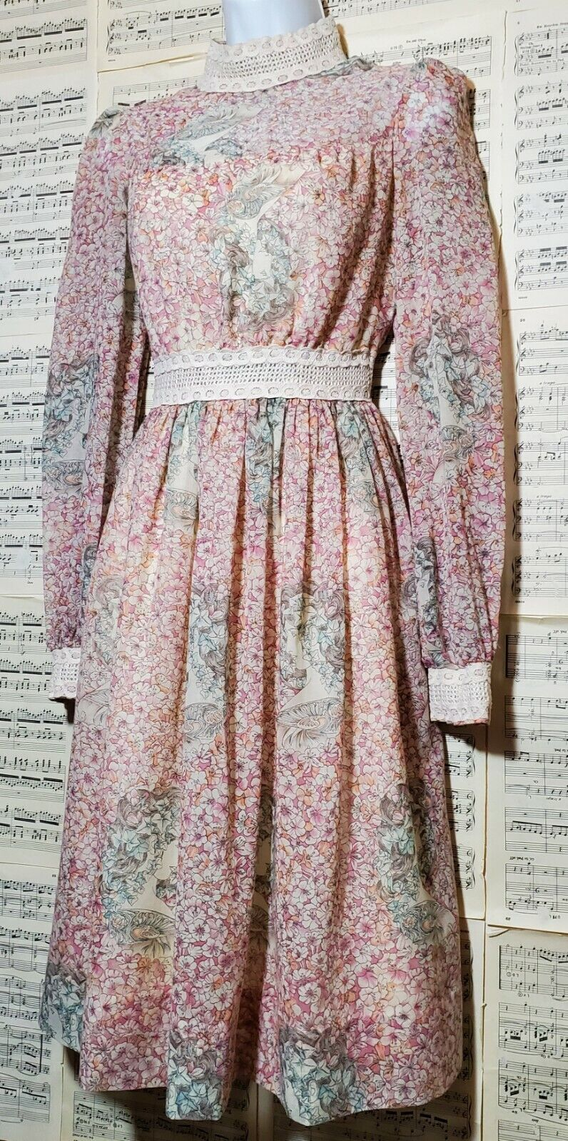 Vintage 1960s 1970s Unbranded Gunne Sax Style Wom… - image 4