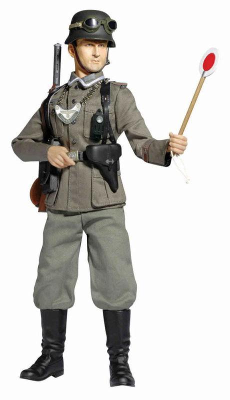 Dragon Models 1 6 Scale 12   WWII German Soldier Feldgendarme Bruno Schott 70770