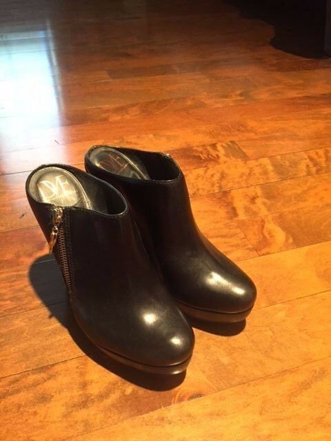DVF Black Booties with Zipper Size 8 8 8 1 2 5ae2df