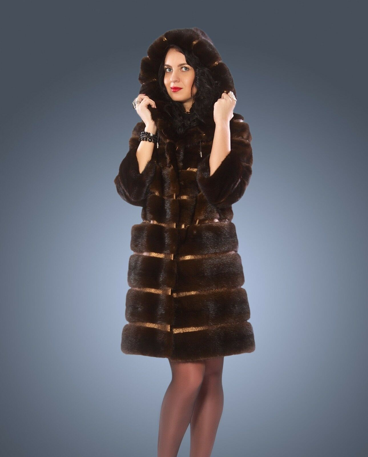 Nerzmantel Saga  Mink Royal Nerz Damenmantel Kapuze Coat Fur Шуба  Норка