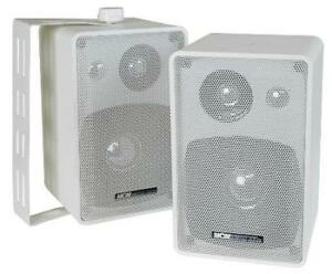 NEW-Outdoor-Indoor-Speakers-Pair-White-w-wall-mounts-Home-Audio-Commercial