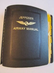 "VINTAGE JEPPESEN AIRWAY SERVICE MANUAL WITH 7 RINGS - 9"" X 7 1/2"" - TUB PA"