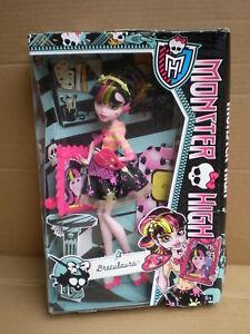 100% Vrai Monster High Art Class Draculaura Back To School Doll 2013 Mattel Entièrement Neuf Dans Sa Boîte-afficher Le Titre D'origine
