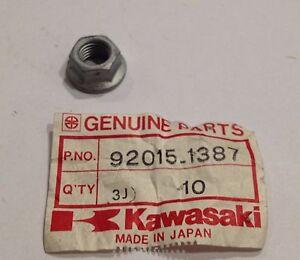 Dado-flangiato-10mm-Nut-flanged-10-mm-Kawasaki-NOS-92015-1387