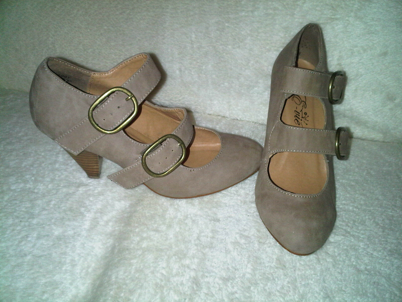 Moda jest prosta i niedroga Shoes tan suede with two buckles on side marking evie