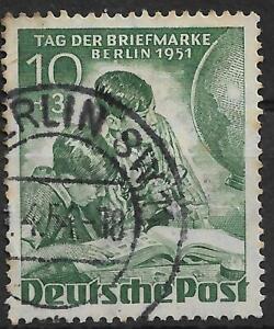 Duitsland-Berlijn-Dag-van-de-Postzegel-Michel-80