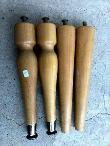 n°3) lot 4 pieds en bois / lit, meuble vintage armoire, commode, enfilade  etc..