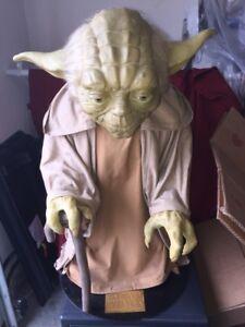 Star-Wars-the-Phantom-Menace-Yoda-Illusive-Concepts-Life-Size-034-Statue-034