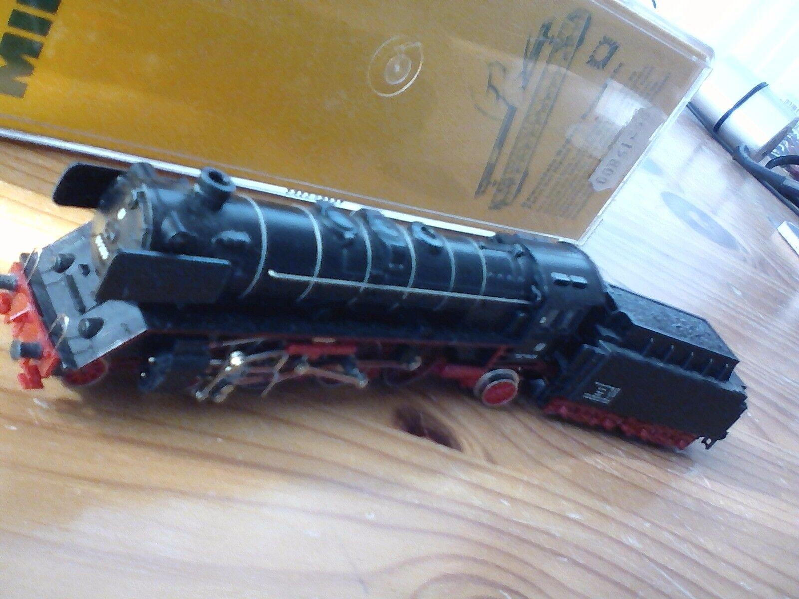 Minitrix antike, sehr gut erhaltene Lok für Modeleisenbahnen Spurweite N, 2076