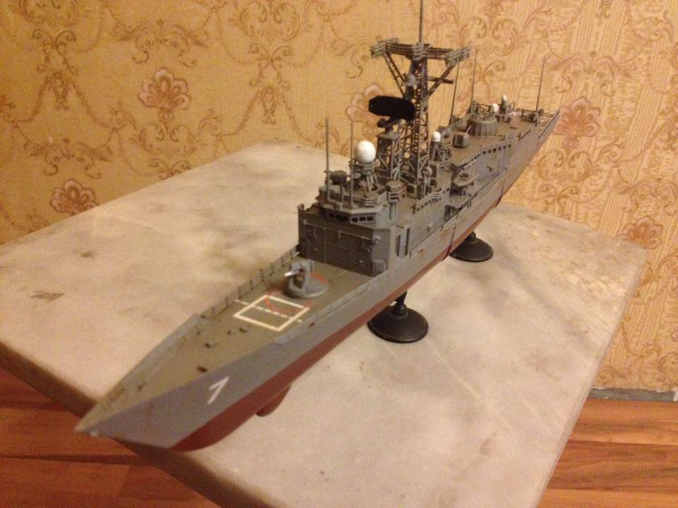 USS Oliver Hazard Perry frigate ship 1 350 complete model